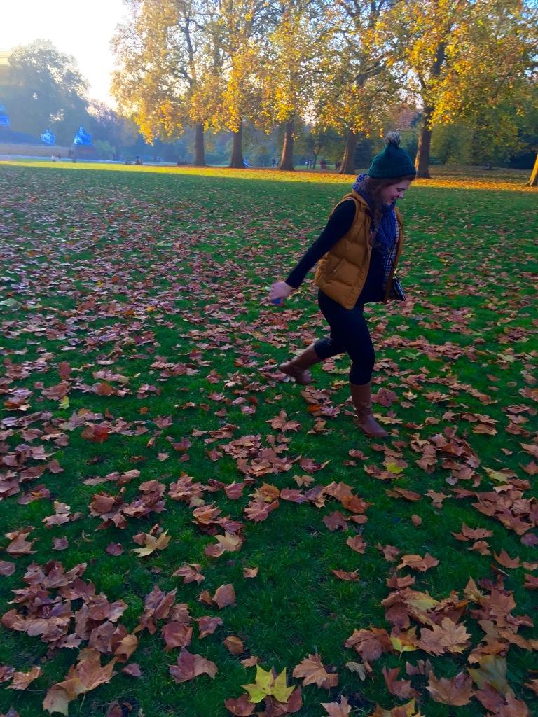 Rebecca enjoying Falltime (@RebeccaSWolfe)